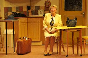 Willy Russell Reviews of Pauline Daniels as Shirley Valentine